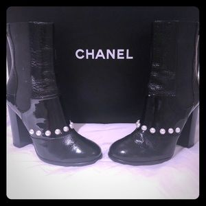 🎈Authentic Chanel boots - Size 36.5
